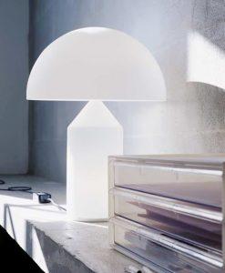 OLUCE ATOLLO Lampada da Tavolo in Vetro Bianco Opale h35